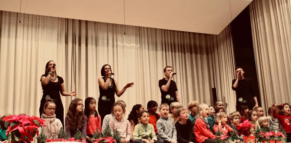 ...mit dem Kinderchor der Musikschule Korntal-Münchingen...